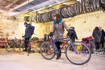В Праге бесплатно раздали 70 велосипедов