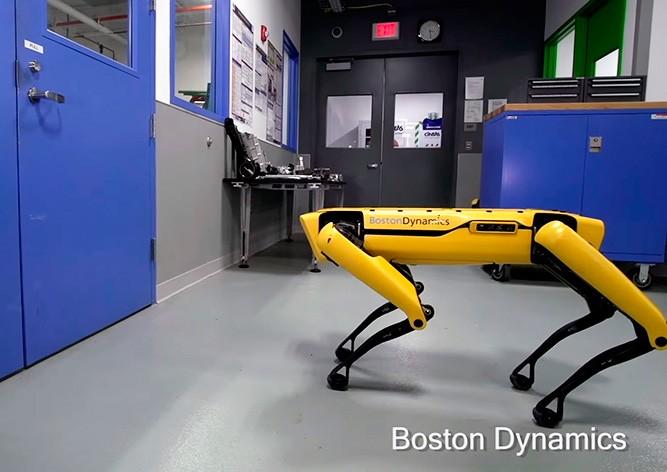 Boston Dynamics научила робота-собаку открывать двери