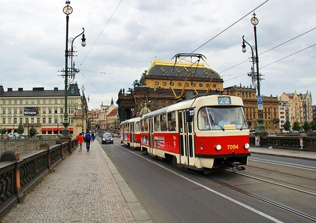 Против гриппа: пражские трамваи дезинфицируют озоном