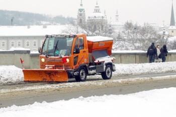 Снегопад осложнил транспортную ситуацию в Праге