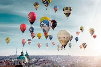Десятки воздушных шаров пролетят над Прагой