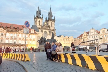 Посетителей пасхальных ярмарок в Праге защитят от террористов