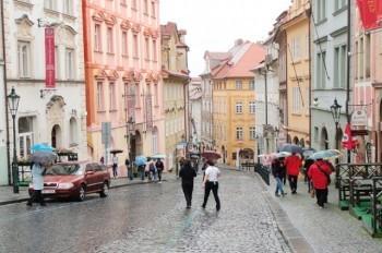 Прохладная погода задержится в Чехии