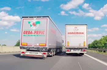 Безумный маневр польской фуры в Чехии попал на видео
