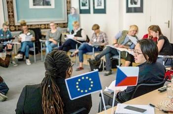 Парламент Чехии одобрил ужесточение закона об иностранцах, невзирая на Сенат