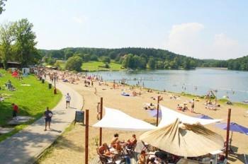 Где искупаться в Праге: городские пляжи