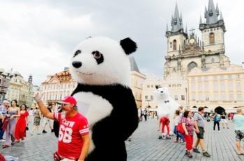 Ростовые куклы и мыльные пузыри исчезнут с улиц Праги