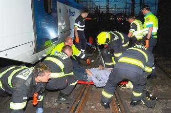 Мужчина попал под поезд на Главном вокзале Праги