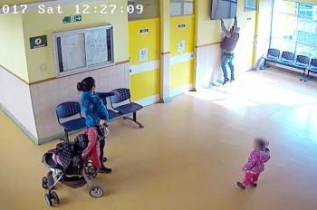 В Чехии семейную кражу телевизора «повесили» на цыган: видео