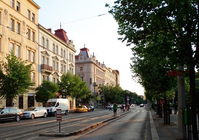 В пятницу в Праге из-за похорон перекроют улицу Vinohradská