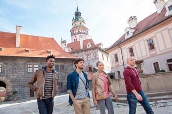 Чески-Крумлов сделает платным въезд туристических автобусов