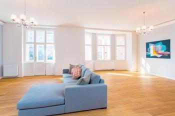 Заработать на новую квартиру в Праге можно за 14 лет