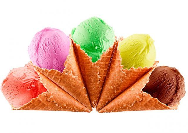 Школьников в центре Праги бесплатно угостят мороженым