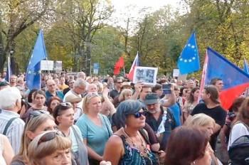 У посольства РФ в Праге прошел митинг против оккупационной политики Кремля