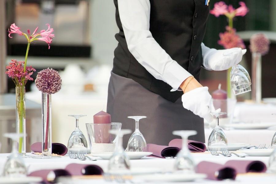 Офіціанти