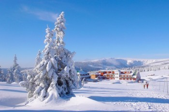 В горах Чехии объявлен четвертый уровень лавинной опасности